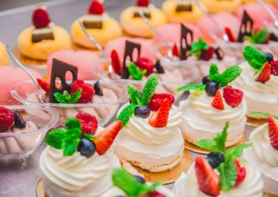 catering, garmaż , catering komunijny, catering dla firm trójmiasto, Bolszewo, Wejherowo, Lębork, finger food, tort weselny, słodki stół, Cukiernia